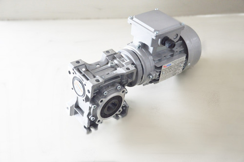 motorredutor q50 1/80 c/ motor 1/4 cv trifásico romak