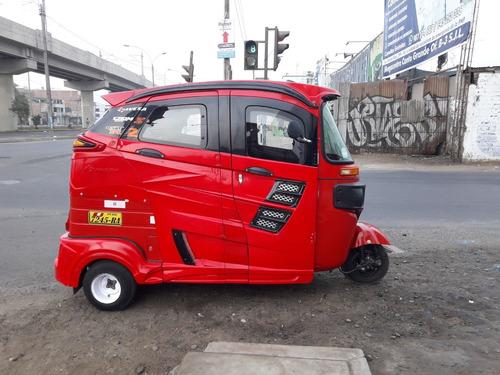 mototaxi bajaj color rojo