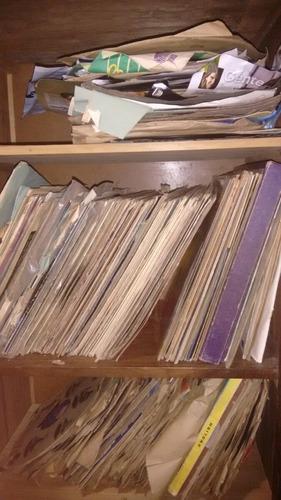 movel antigo e coleçao de discos antingos