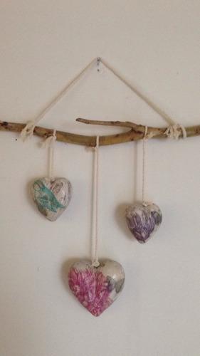 móvil decorativo de corazones estilo vintage