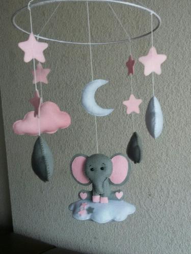 móviles y adornos para decoración de bebé