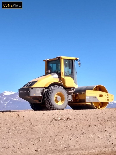 movimiento de suelo,retroexcavadora,cargadora,camiones,salta