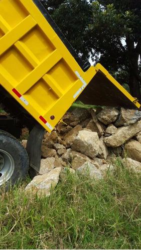 movimientos de tierra, alquiler de backhoe y vagonetas
