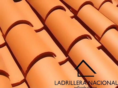 mt2 teja prensada de barro tipo media caña de 40 cm