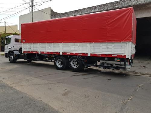 mudanza empresa camión con pala hidráulica fletes  semi