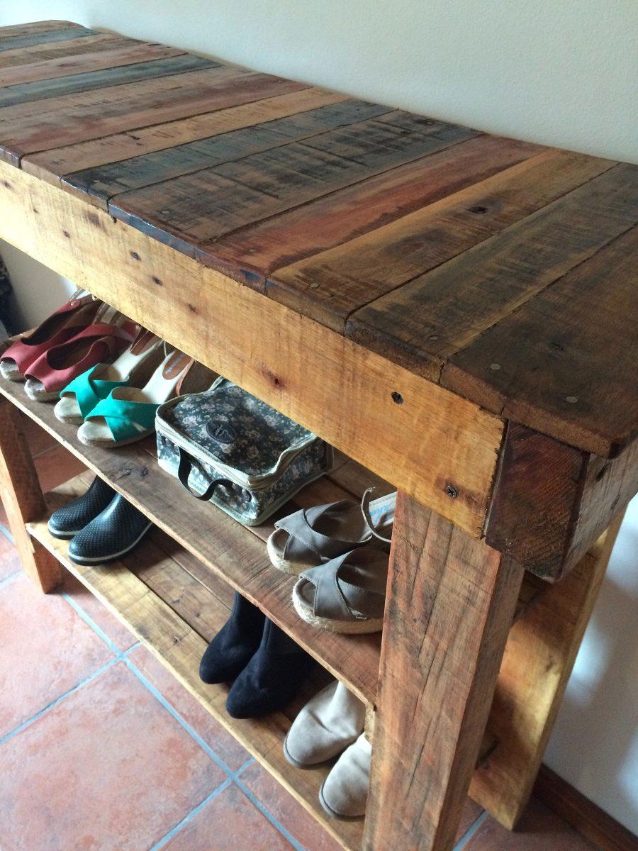 mueble auxiliar hecho con madera reciclada de pallet