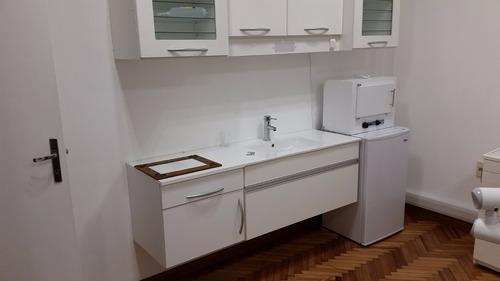 mueble bajo mesada, aereo bactericida y heladera frigobar