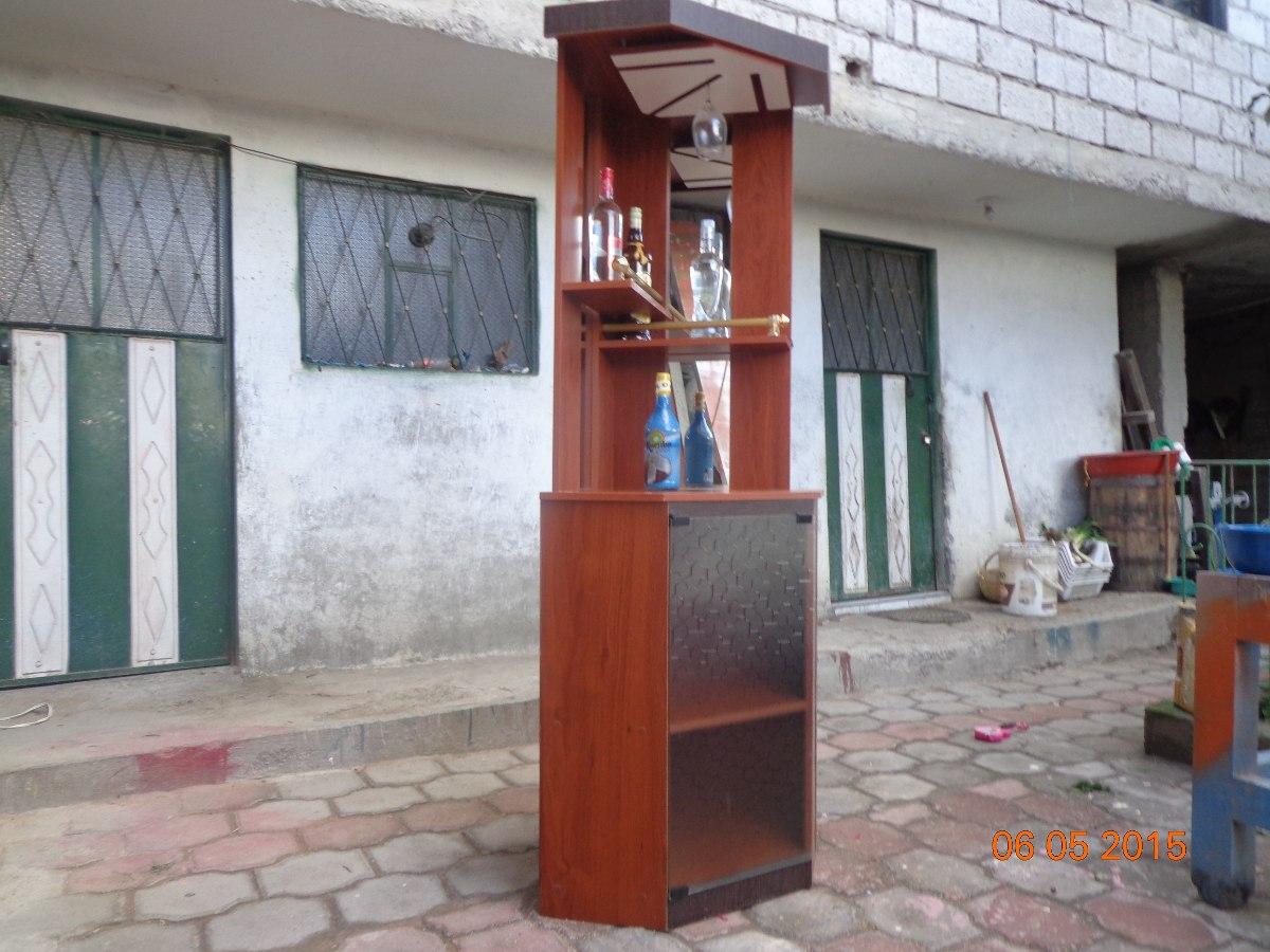 Mueble bar licorera esquinero con espejo vendo o cambio for Bar de madera mercadolibre