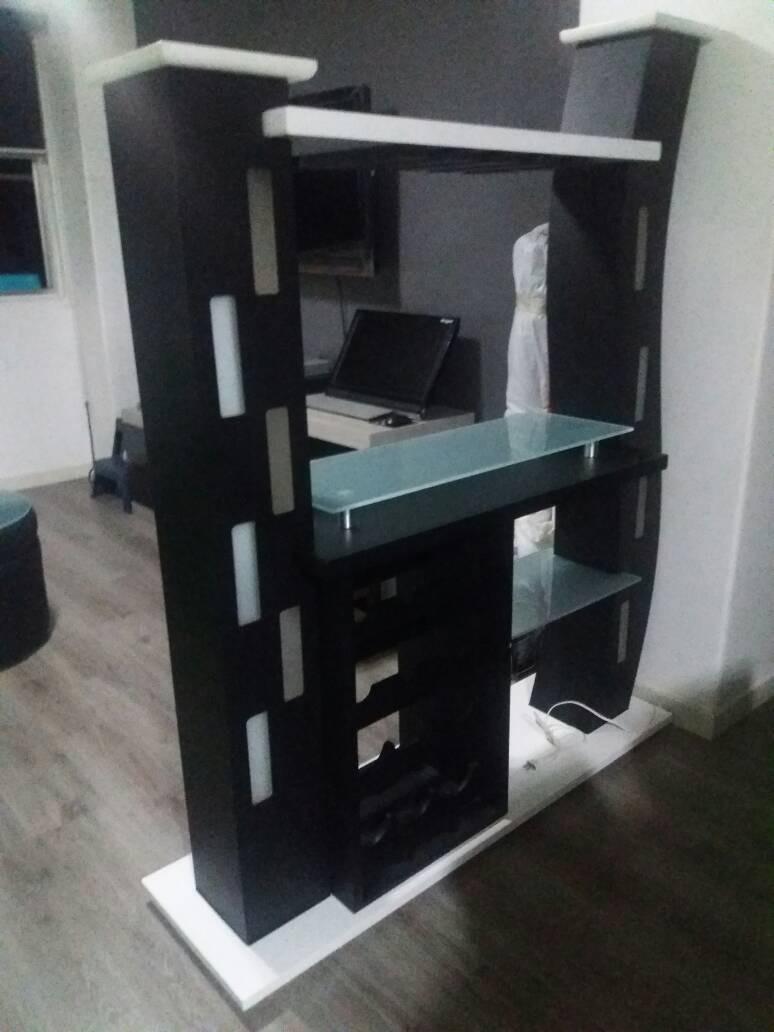 Mueble bar y separador de ambiente bs 2 80 en mercado libre for Mueble separador de ambientes
