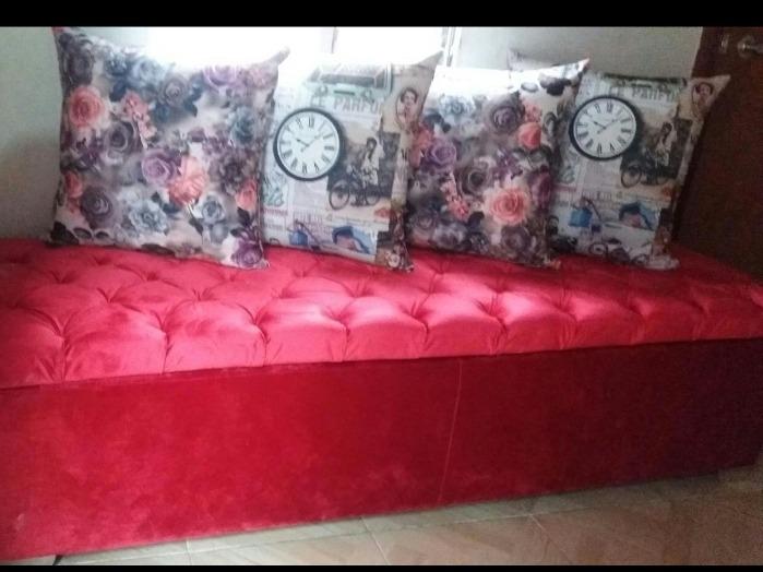 mueble baúl rojo