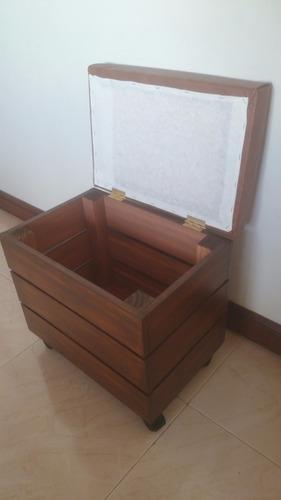 mueble butaco baul decorativo y funcional con ruedas