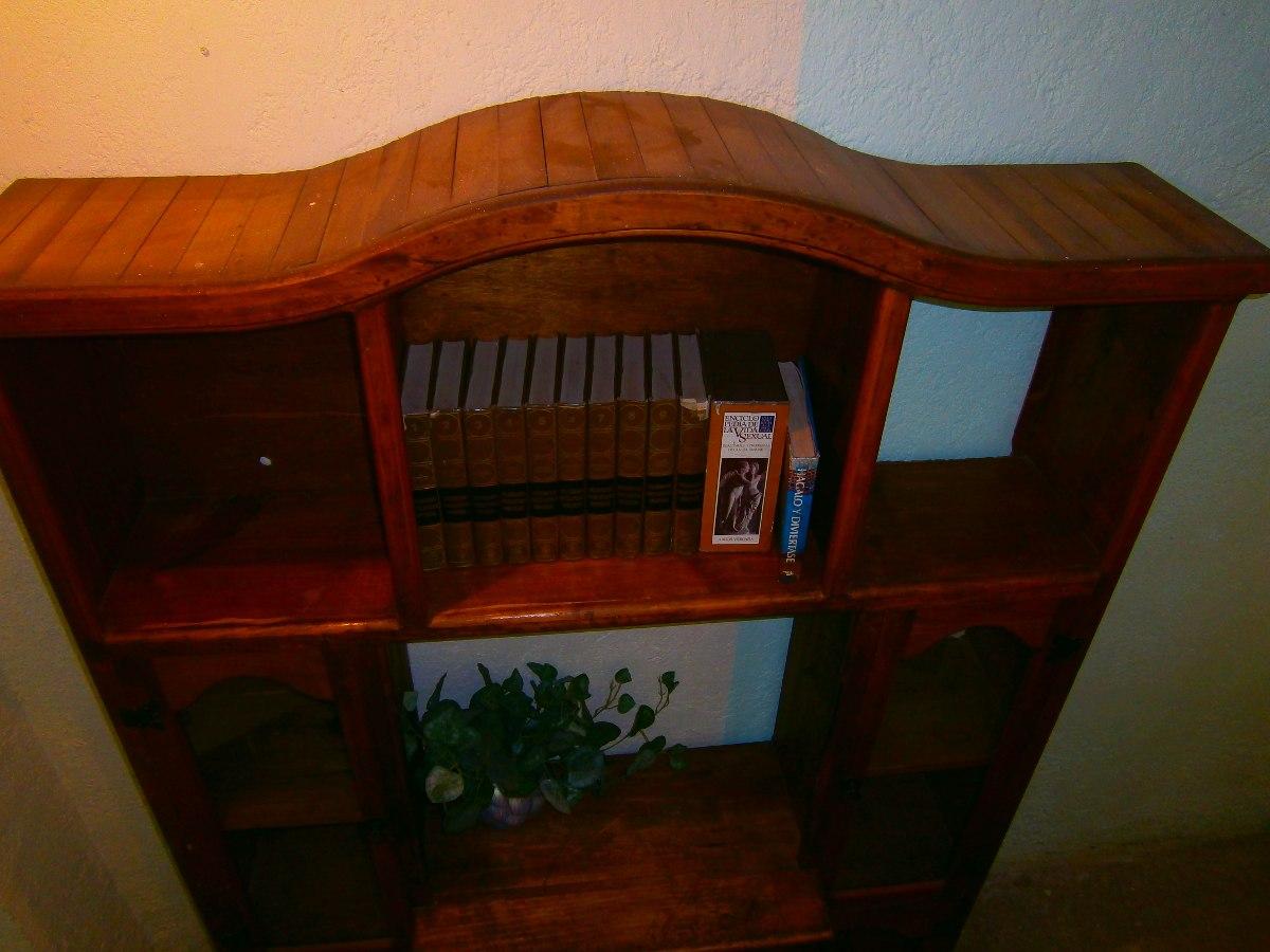 Mueble centro de entretenimiento r stico madera de pino for Diseno de muebles de madera gratis