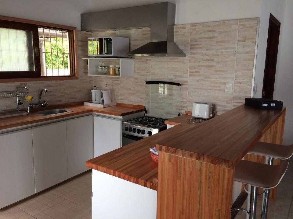 Mueble cocina a medida a reo bajo mesada con o sin granito for Mueble barra cocina