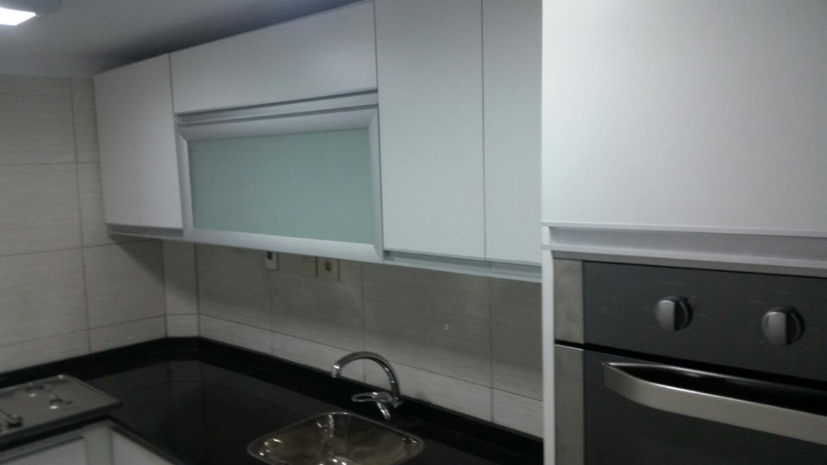 Mueble de cocina piletas bajo for Muebles bajos para cocina