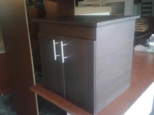 mueble de baño con tope de granito