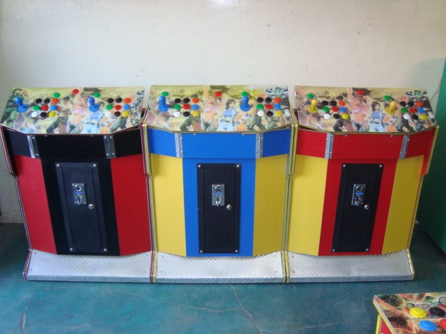 Mueble de botonera video juegos maquinitas de videojuegos for Mueble para xbox 360