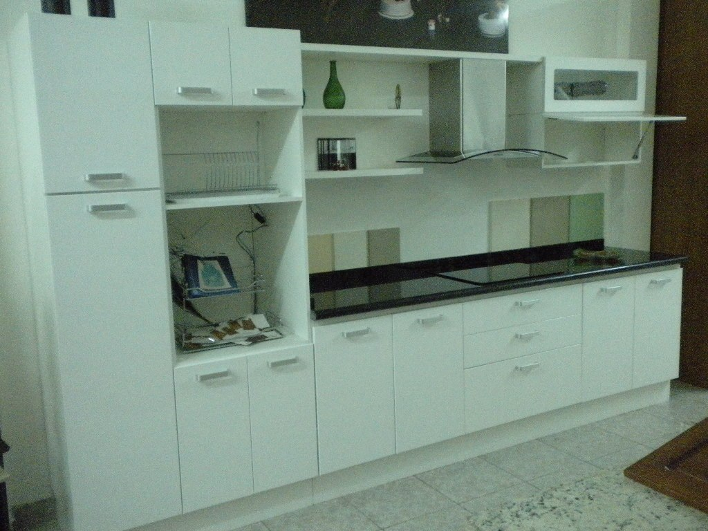 Mueble De Cocina A Medida Laqueado Blanco Amoblamientos Fl ...