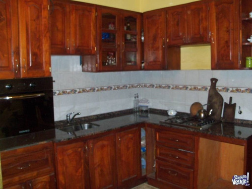 mueble de cocina de algarrobo