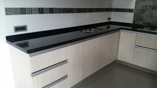 Mueble de cocina granito silestone 300 00 en for Granito o silestone para cocinas