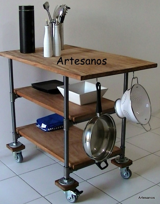 Isla cocina con ruedas la isla en este caso est resuelta for Muebles de cocina islas con ruedas