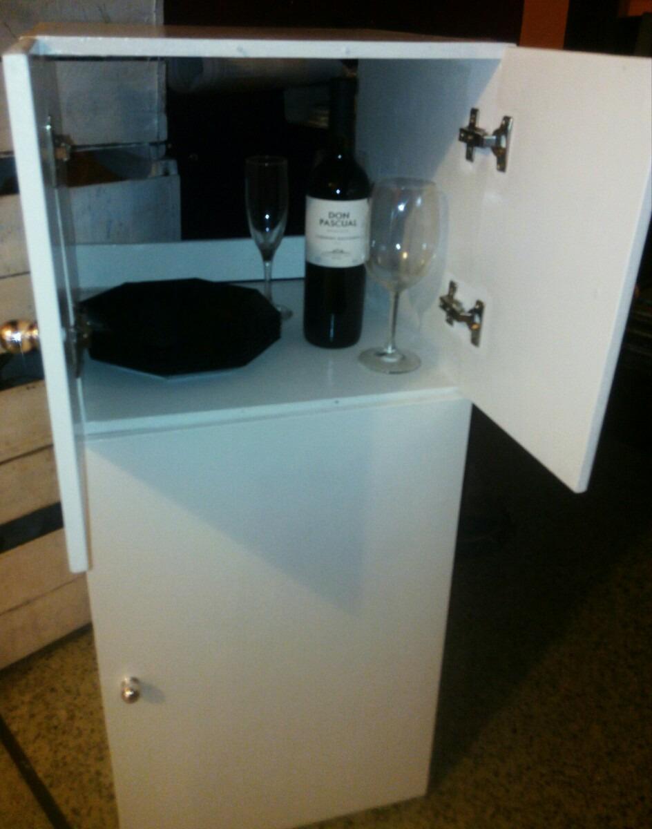 Mueble de cocina porta garrafa y microondas for Mueble de cocina camping