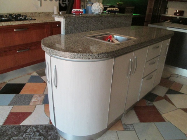 Mueble De Isla, Modular Gabinete De Cocina Con Granito - Bs. 78.203 ...