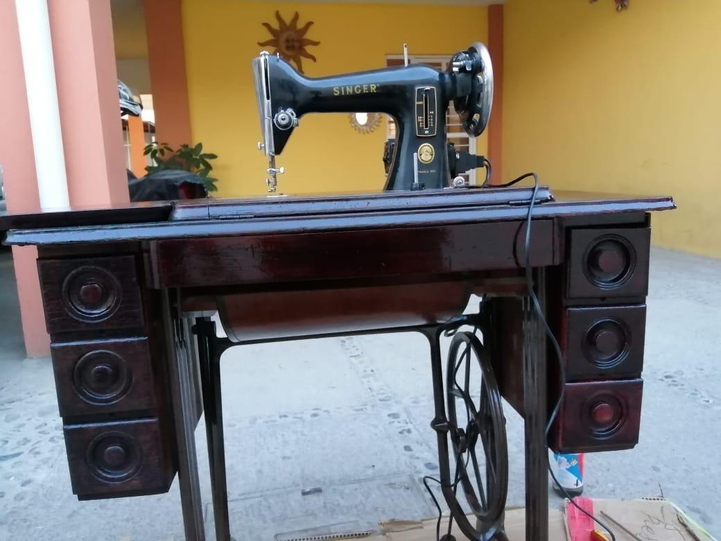 Mueble De Madera + Maquina De Coser Singer Excelente