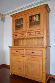 Mueble De Madera Para Comedor Con Vitrina. Excelente Estado.