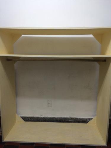 mueble de madera, tipo perchero, ideal para reciclar