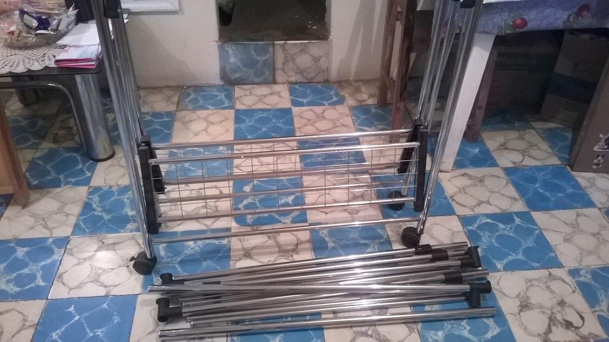 Mueble De Metal Para Colgar Ropa  $ 1,00000 en Mercado Libre