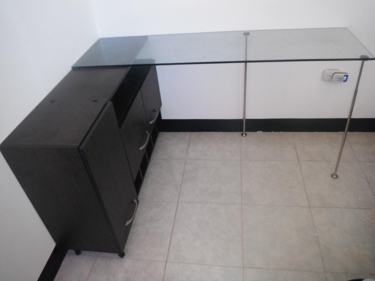 Mueble de oficina escritorio convertible con vidrio for Mueble para escritorio