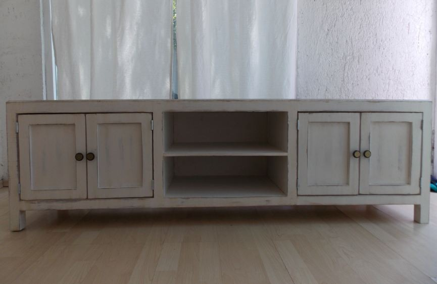Mueble de tv estilo vintage color blanco antiguo decapado for Muebles estilo vintage online