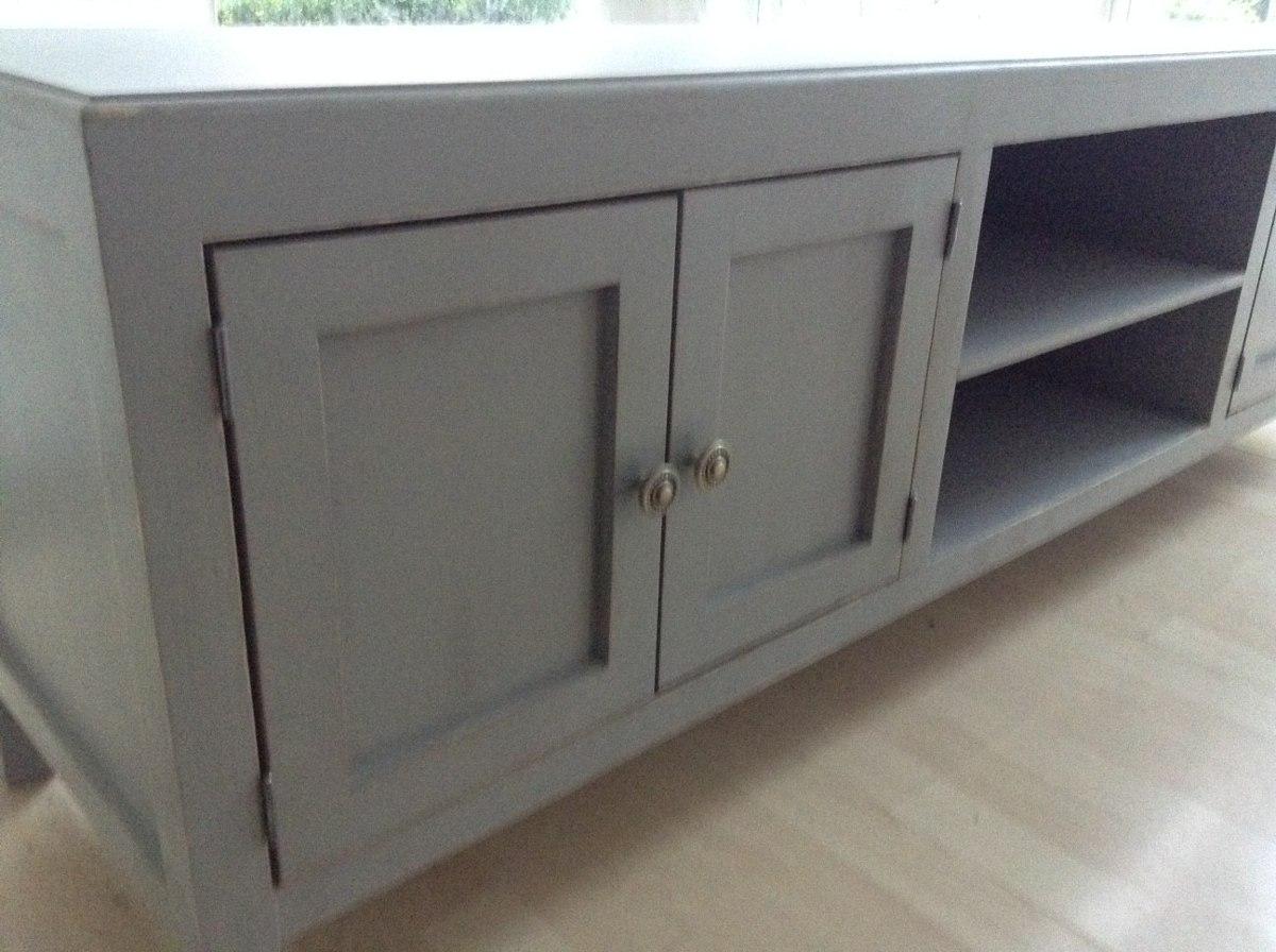 Mueble de tv estilo vintage color blanco antiguo decapado for Mueble tv blanco y madera