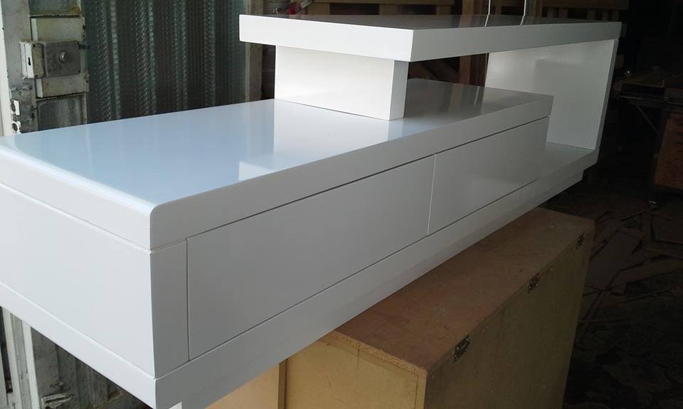 Mueble de tv ref artaban de 170 cm en madera lacada for Mueble tv 100 cm