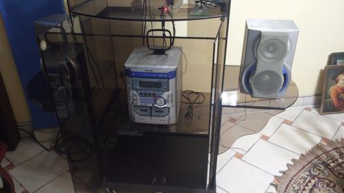 mueble de vidrio para tv y equipo de sonido