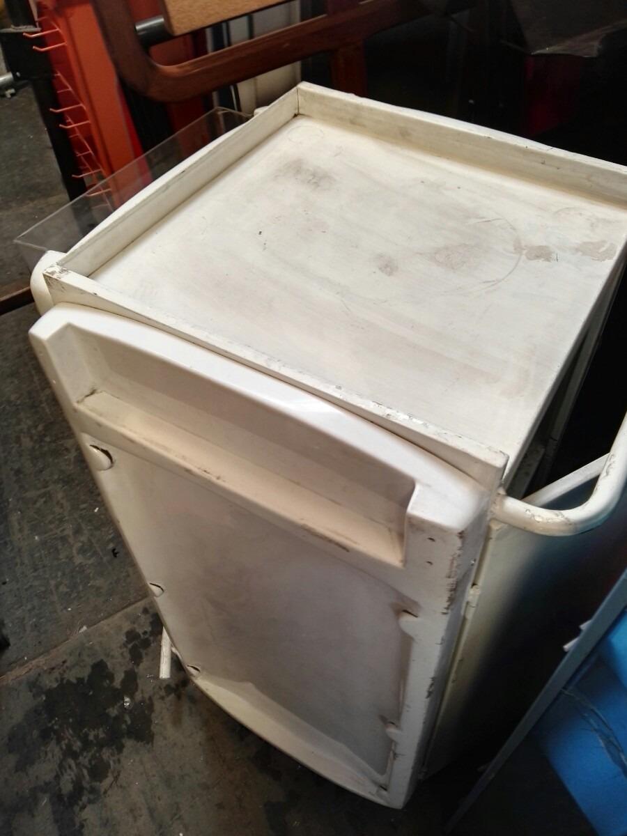 Mueble degustacion cajonera bodega interna cuerpo metalico for Mueble bodega