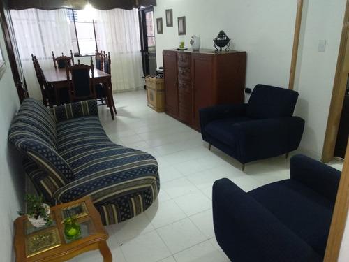 mueble en perfecto estado de sala y comedor