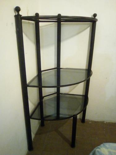 mueble esquinero de metal