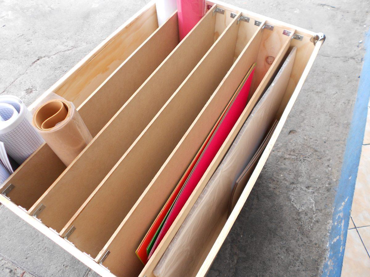Mueble organizador para cartulinas y papeles varios for Papel pintado para muebles de madera