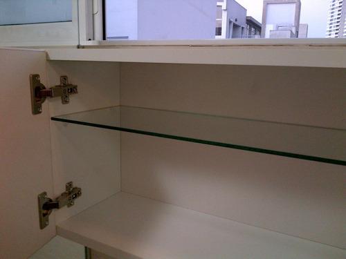 mueble para baño de melamina con vidrio