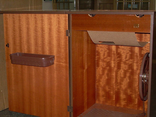 mueble para máquina de coser familiar enchapado en madera