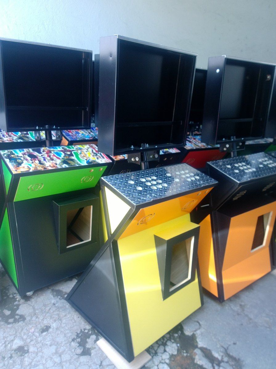 Mueble para monitor de 23 pulgadas con bastidor metalico for Mueble para xbox 360
