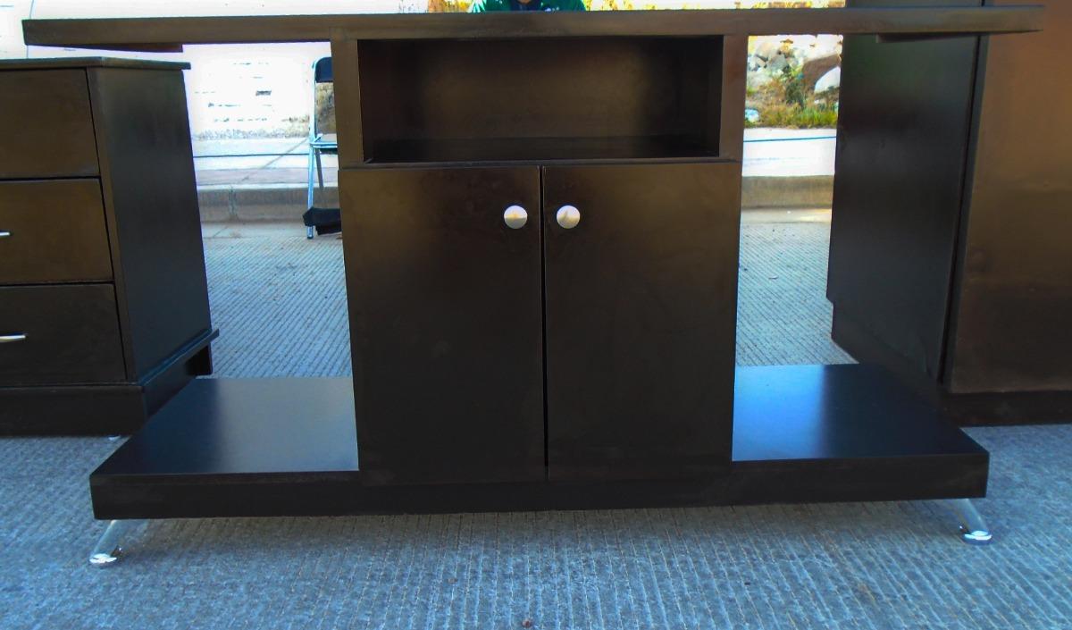 Mueble para tv minimalista smart tv color chocolate for Mueble giratorio para tv