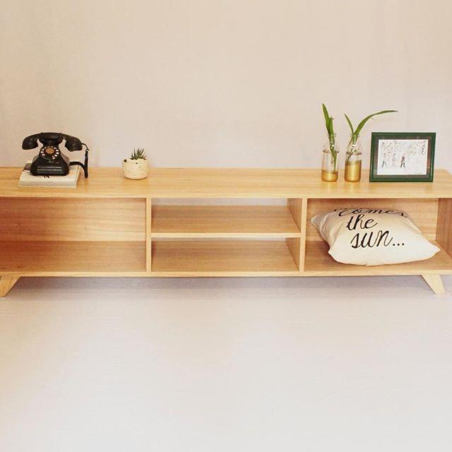 Mueble para tv, vinilos, equipo audio. madera paraiso    7.150,00 ...