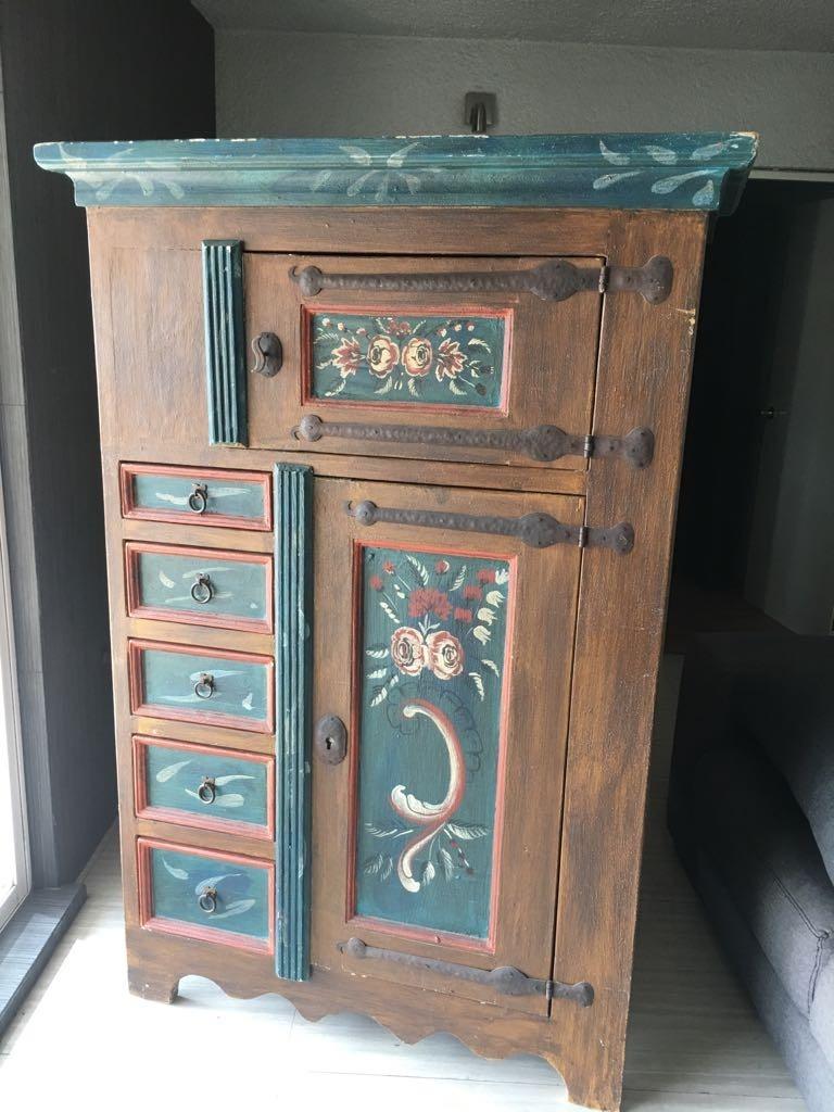 Mueble r stico de madera pintado a mano 15 en for Muebles pintados a mano