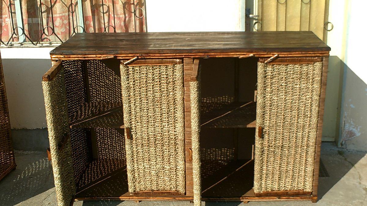 Mueble rustico en mimbre y cardo con tapa de madera masiza for Muebles mimbre