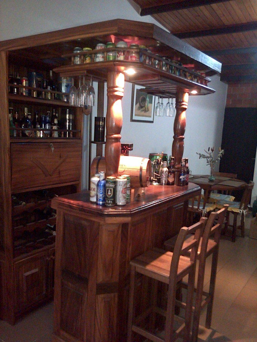 Mueble Tipo Bar De Madera Con Luces Banquitos Y Bebidas Bs  # Muebles Para Guardar Whisky