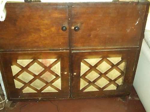 Mueble tocadiscos con radio antiguo para restaurar 150 for Muebles antiguos para restaurar