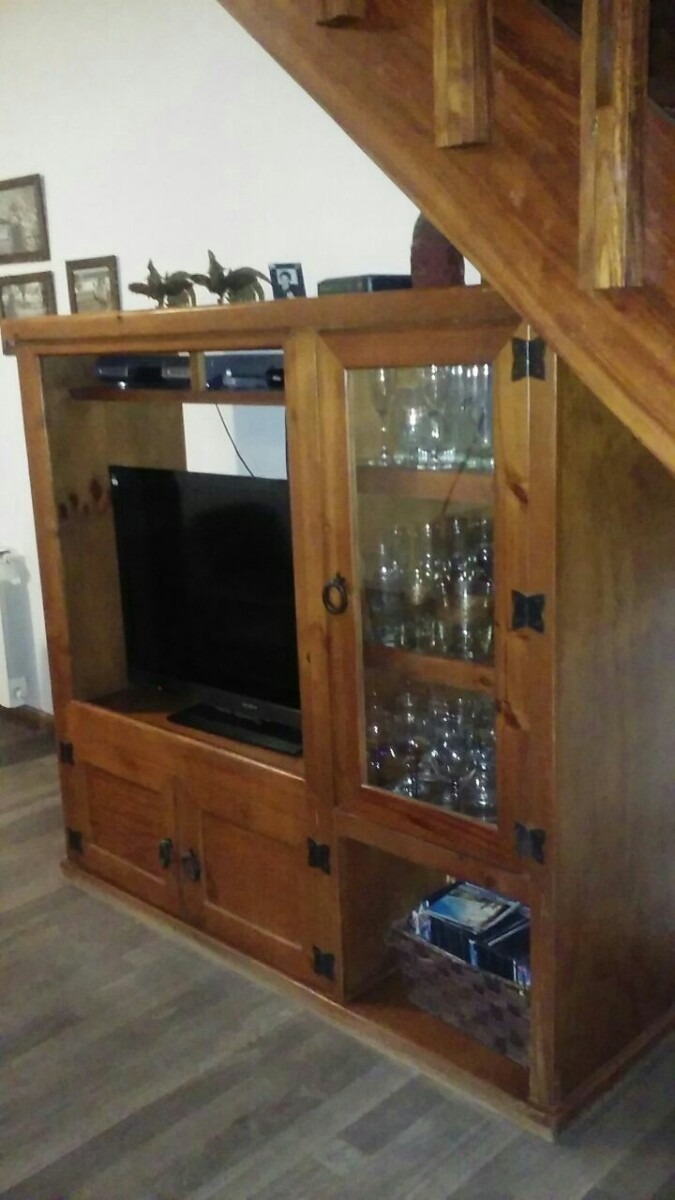 Mueble Tv Pino Mexicano - $ 4.500,00 en Mercado Libre