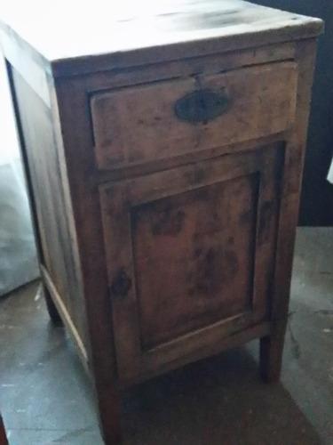 mueble velador antiguo